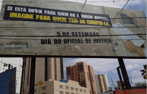 outdoor homenagem sindjustica oficiais de justica