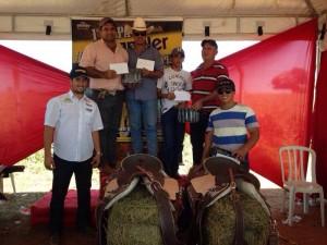 Renato Cândido (segundo à esquerda) é oficial de Justiça do TJGO