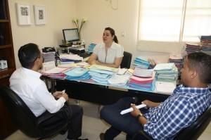 Fábio Queiroz busca soluções para servidores de Goianápolis junto à juíza Christiane Gomes