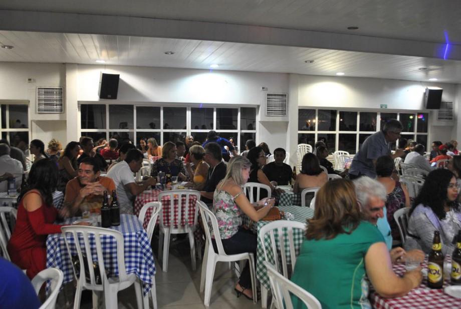 Servidores se reuniram no clube da entidade, em Goiânia