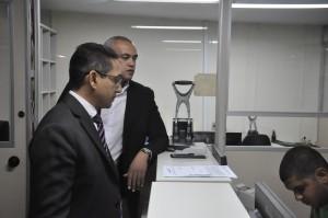Presidente Fábio Queiroz e vice-presidente Lionidas Gimenes no momento do protocolo da ação