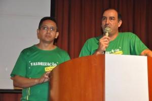 Fábio Queiroz e Fabrício Duarte esclarecem os servidores sobre os atos em defesa do Projeto de Valorização Vencimental