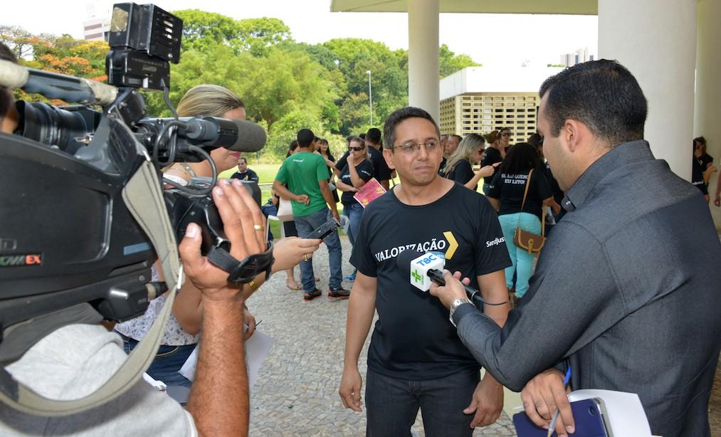 Presidente Fábio Queiroz em entrevista à rádio CBN e TV Brasil Central