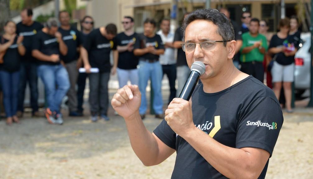 Presidente Fábio Queiroz conduziu os atos dos servidores em 2015 para cobrar aplicação da data-base