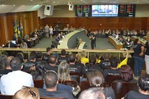 Servidores acompanharam a sessão plenária da Alego nesta terça, 20