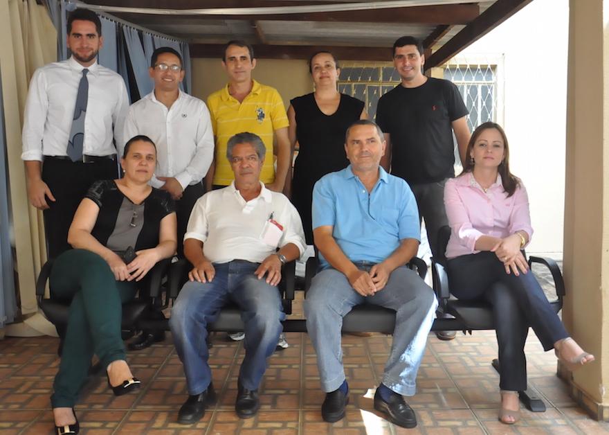 Presidente do SINDJUSTIÇA, Fábio Queiroz atende a servidores de Taquaral. Reuniões do Giro pelo Interior têm apoio dos advogados Arthur Calixto e Rúbia Bites