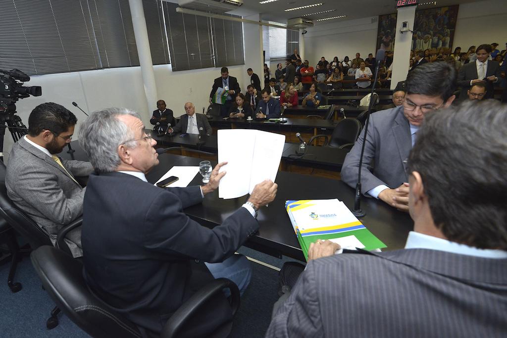 Foto de arquivo de sessão da Comissão de Constituição e Justiça da Alego. Crédito: Denise Xavier