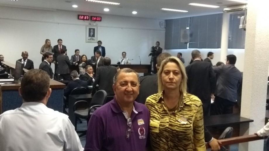 Vide-presidente Mara Cristina e o servidor Paulo César, em plantão na Alego