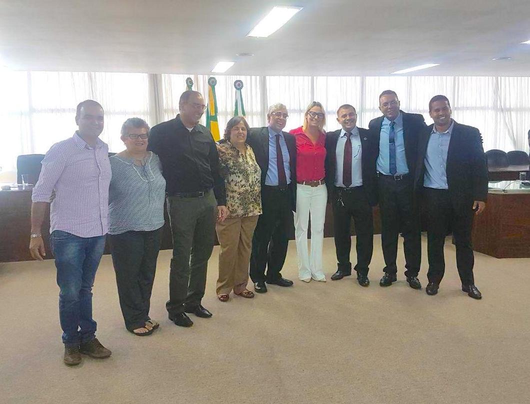 Diretoria do SINDJUSTIÇA com desembargador Gilberto Marques, na Corte Especial: pagamento da URV
