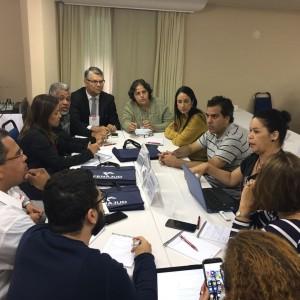Reunião do grupo de estudos sobre assédio moral durante Conselho de Representantes da Fenajud